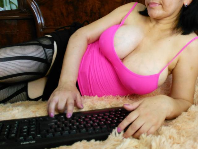 Picture of the sexy profile of BigNiceBoobs, for a very hot webcam live show !