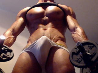 Sexy nude photo of RippedMaster