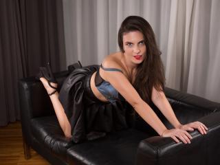 BlueFlame - 在XloveCam?欣賞性愛視頻和熱辣性感表演