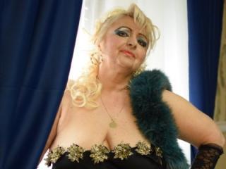 MartaFantasy webcam striptease
