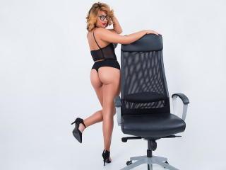 AmandaAlice - 在XloveCam?欣赏性爱视频和热辣性感表演