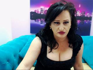 GloryaMilf - 在XloveCam?欣赏性爱视频和热辣性感表演