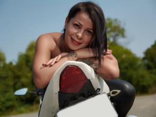 Syllvie - 在XloveCam?欣賞性愛視頻和熱辣性感表演