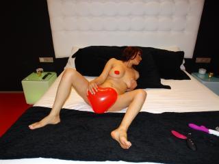 Milf4Love - 在XloveCam?欣赏性爱视频和热辣性感表演
