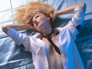 LadyLea - 在XloveCam?欣赏性爱视频和热辣性感表演