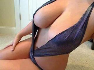 SensuallDolly - 在XloveCam?欣赏性爱视频和热辣性感表演