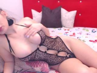RaianaRay - 在XloveCam?欣赏性爱视频和热辣性感表演