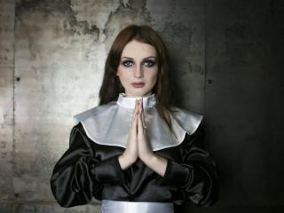 LoriFlower - 在XloveCam?欣赏性爱视频和热辣性感表演