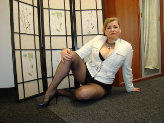 Cristinne69 horny webcam