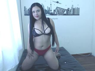 KassandraKiss wet sex show