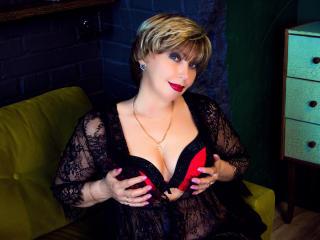 Velmi sexy fotografie sexy profilu modelky BlondSexyMature pro live show s webovou kamerou!