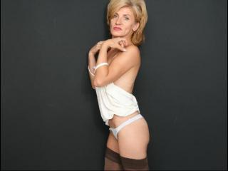 Picture of the sexy profile of DeliciosLady, for a very hot webcam live show !
