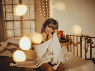 Hình ảnh đại diện sexy của người mẫu EmmaMilk để phục vụ một show webcam trực tuyến vô cùng nóng bỏng!