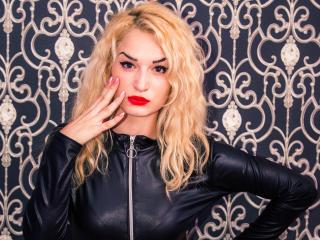 Photo de profil sexy du modèle JessySwitch, pour un live show webcam très hot !