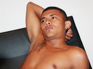 Picture of the sexy profile of JhordanLong, for a very hot webcam live show !