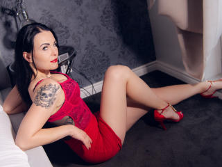 Kenddall - Live cam hot with a black hair Attractive woman