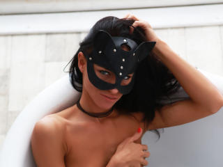 Foto de perfil sexy de la modelo Kirilla, ¡disfruta de un show webcam muy caliente!