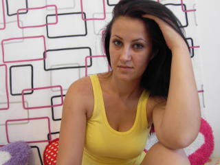 Picture of the sexy profile of LovelyAllice69, for a very hot webcam live show !