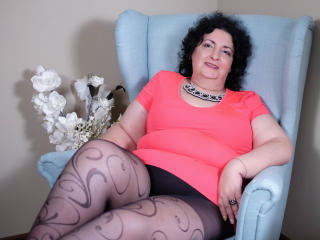 Picture of the sexy profile of MatureDora, for a very hot webcam live show !