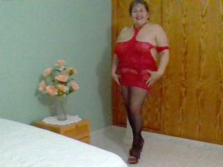 Velmi sexy fotografie sexy profilu modelky NastyLatinaMilf pro live show s webovou kamerou!