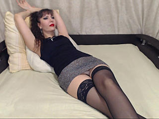 Photo de profil sexy du modèle Nioleena, pour un live show webcam très hot !
