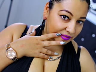 Photo de profil sexy du modèle QueenAshanty, pour un live show webcam très hot !