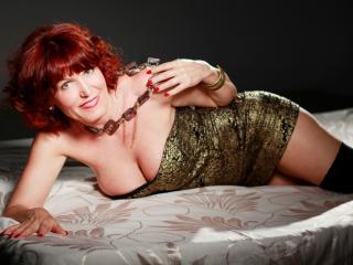 Velmi sexy fotografie sexy profilu modelky RedHeadMature pro live show s webovou kamerou!