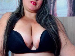 Photo de profil sexy du modèle SaraFetishBbw, pour un live show webcam très hot !