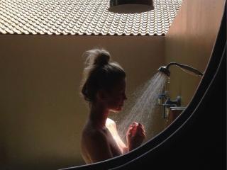 Hình ảnh đại diện sexy của người mẫu SofiaFay để phục vụ một show webcam trực tuyến vô cùng nóng bỏng!