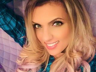 Velmi sexy fotografie sexy profilu modelky SunnyThalia pro live show s webovou kamerou!