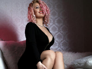 Sexy profilbilde av modellen  SweetJoy, for et veldig hett live webcam-show!