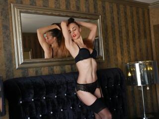 Hình ảnh đại diện sexy của người mẫu TaniaLoren để phục vụ một show webcam trực tuyến vô cùng nóng bỏng!
