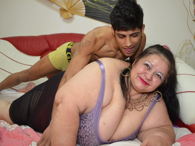 Picture of the sexy profile of BigShowHotCouple, for a very hot webcam live show !