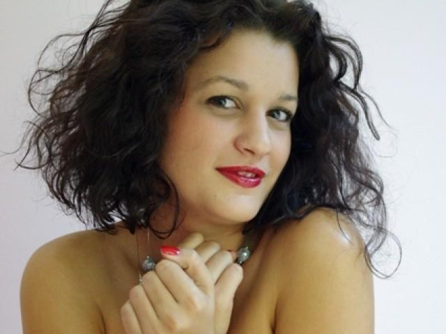 Picture of the sexy profile of Eusebia, for a very hot webcam live show !