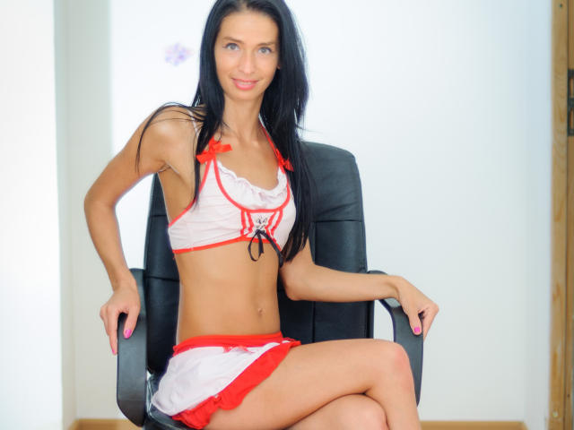 Picture of the sexy profile of KinkyNorma, for a very hot webcam live show !
