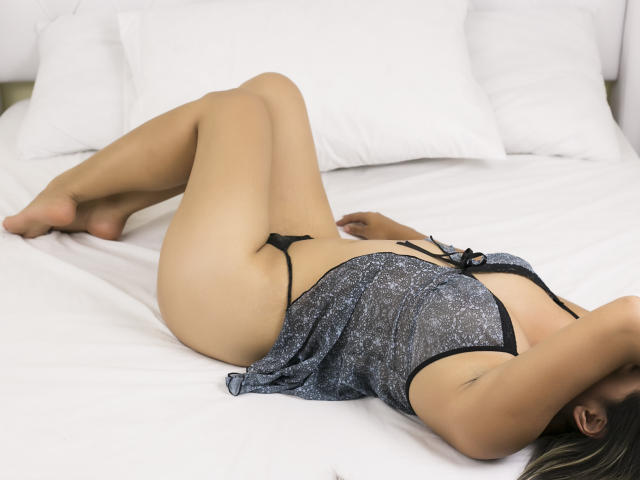 Photo de profil sexy du modèle LolaSeduction, pour un live show webcam très hot !