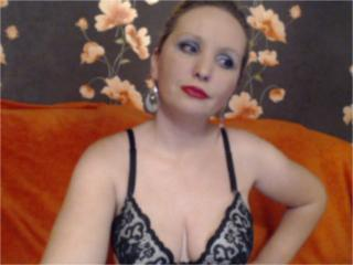 LovellyMadame - Sexy live show with sex cam on XloveCam