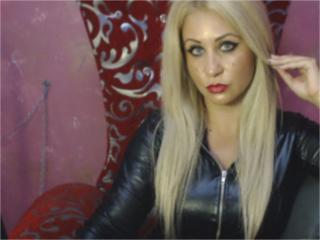 DomMarisa - Sexy live show with sex cam on XloveCam