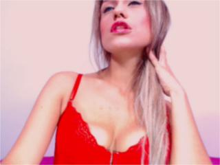 SlinkyAngeel - Video chat exciting with this shaved pubis Hot chicks