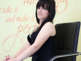 Karlya - Sexy live show with sex cam on XloveCam