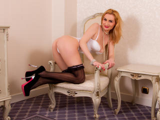 Hotsexydolly - Sexy live show with sex cam on XloveCam®