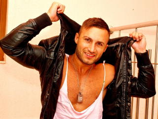 CharmantKalvin - Sexy live show with sex cam on XloveCam
