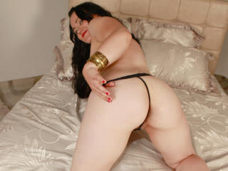 DivineAbigail - Sexy live show with sex cam on XloveCam