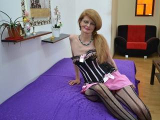 MatureMiki - Sexy live show with sex cam on XloveCam