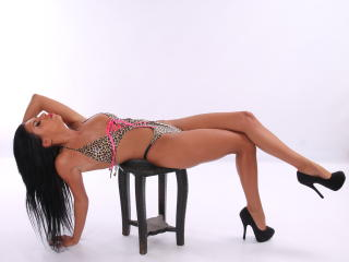 PearlBlack - Sexy live show with sex cam on XloveCam