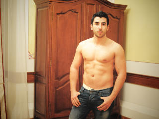 HorrnyJorge - Sexy live show with sex cam on XloveCam
