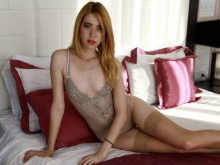 LouiseHot - Sexy live show with sex cam on XloveCam