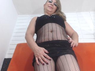 MatureCoquine - Sexy live show with sex cam on XloveCam®