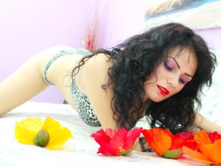ArtMinnie - Sexy live show with sex cam on XloveCam