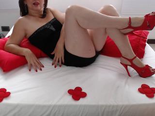 Sexy nude photo of IskraGlam